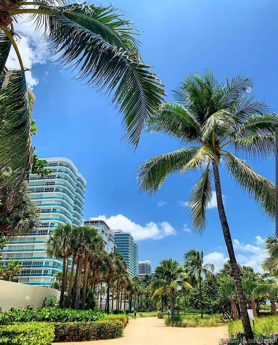 10275  Collins Ave   830