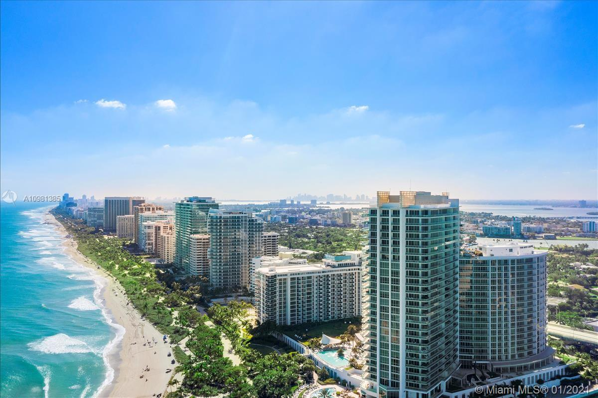 10275  Collins Ave   322