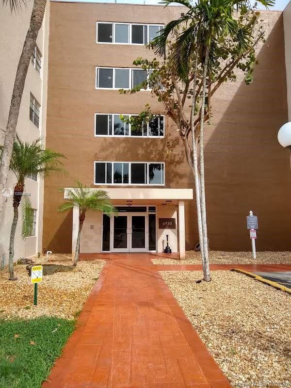 6930  Miami Gardens Dr   1-503
