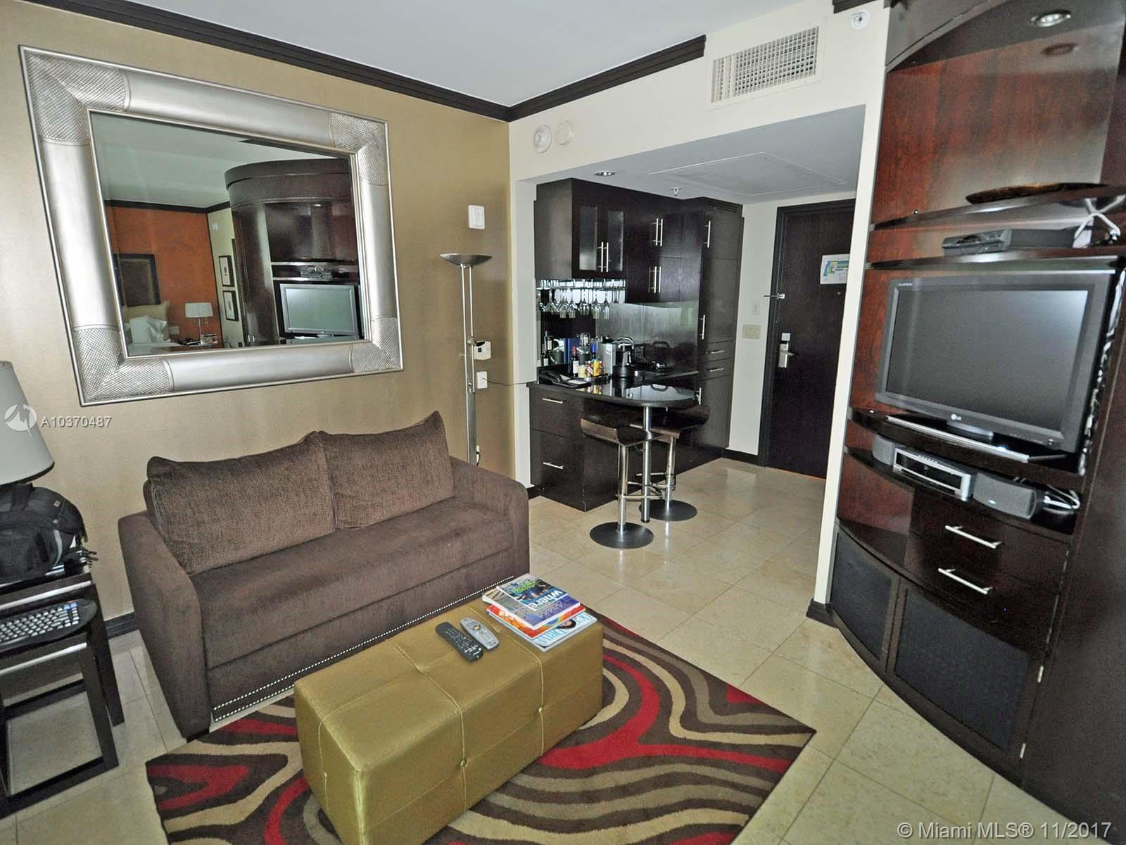 1437  Collins Ave   316