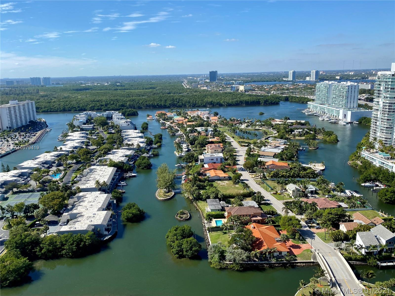 16051  Collins Ave   3004