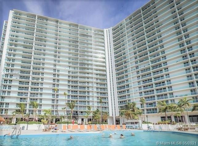 300  Bayview Dr   1104