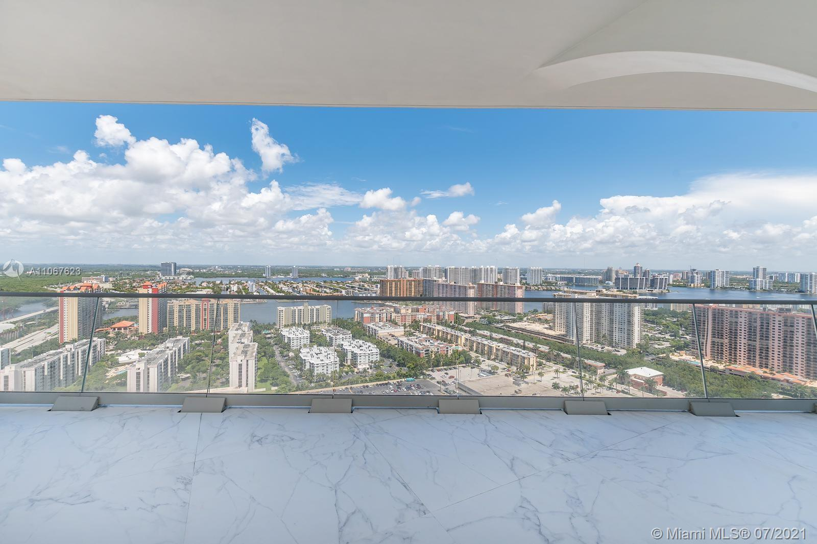16901  Collins Ave   3203