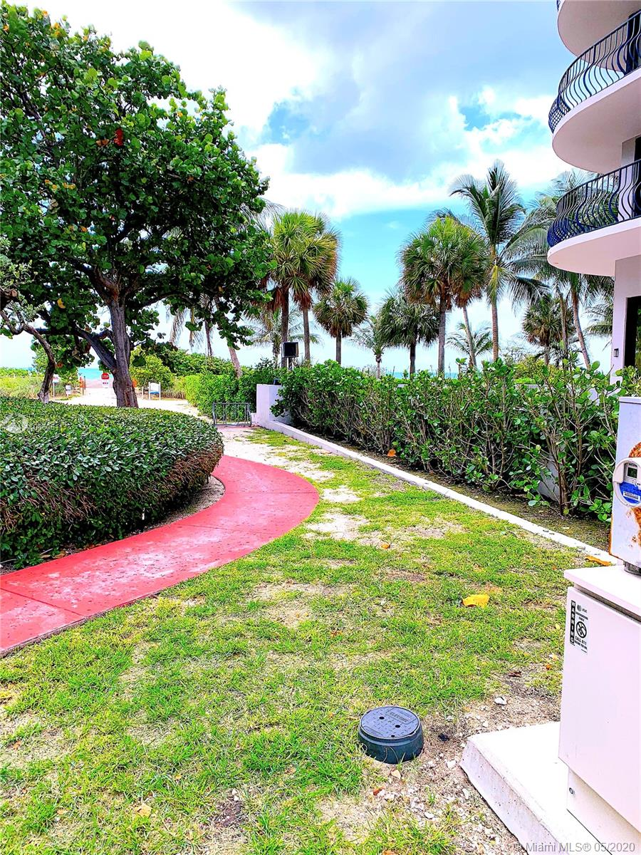 8877  Collins Ave   1105