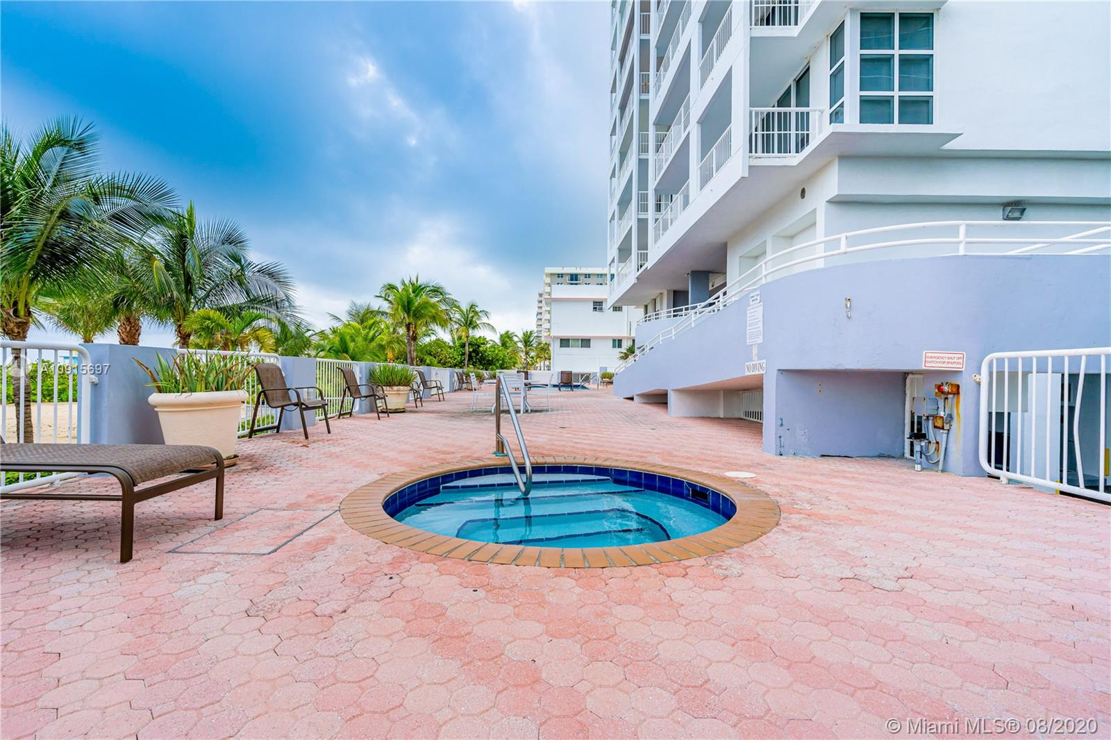 9341  Collins Ave   403
